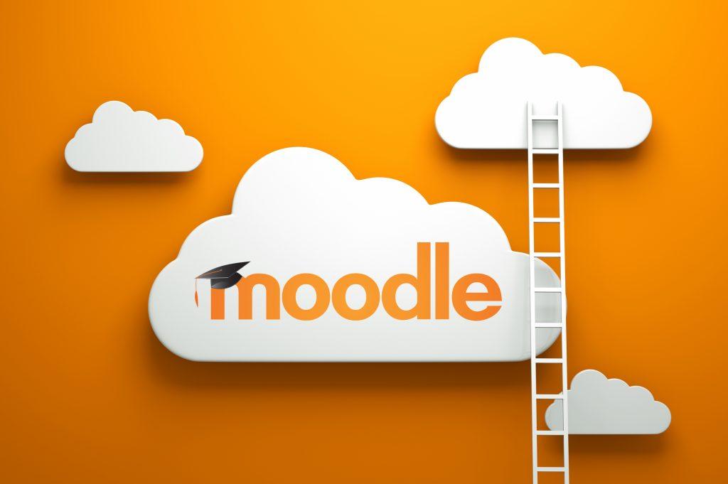 Người dùng có thể tải xuống và cài đặt Moodle trên máy chủ Web
